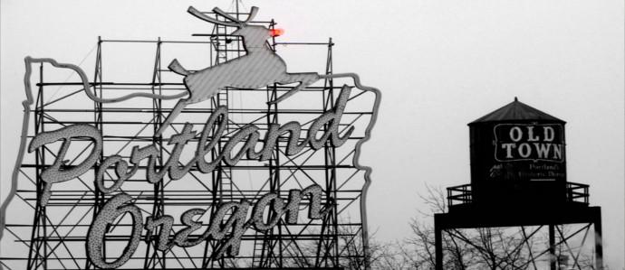 15 Portland Bars Open for Christmas
