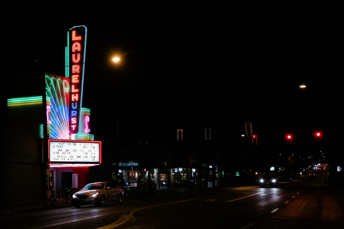 enjoy a drink and a show at these movie theaters that
